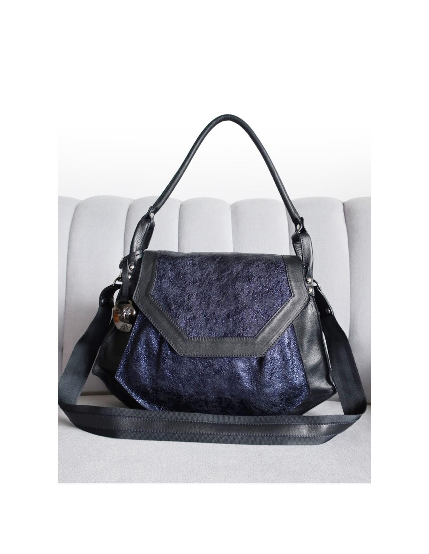 Olivia bag in Black and Navy. Loading zoom e54aebfda9c47